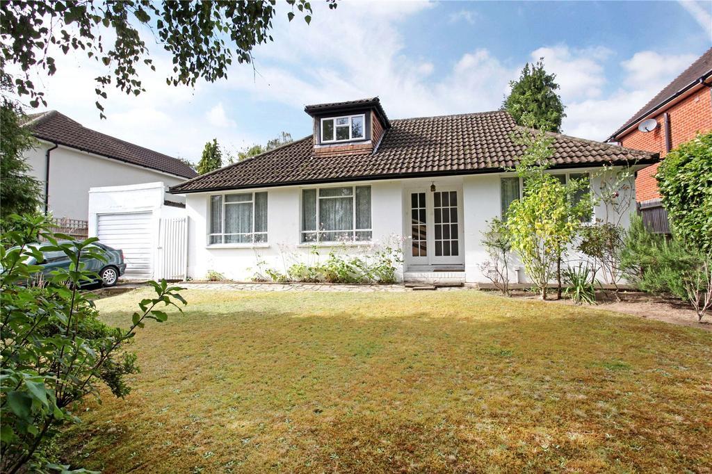 4 Bedrooms Detached Bungalow for sale in Trotsworth Avenue, Virginia Water, Surrey