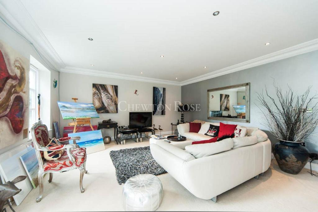 3 Bedrooms Apartment Flat for sale in Cross Road, Sunningdale