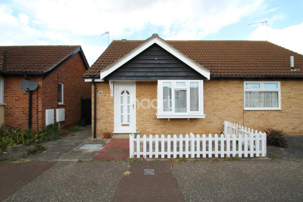 1 Bedroom Bungalow for sale in Camellia Crescent, Clacton-on-Sea