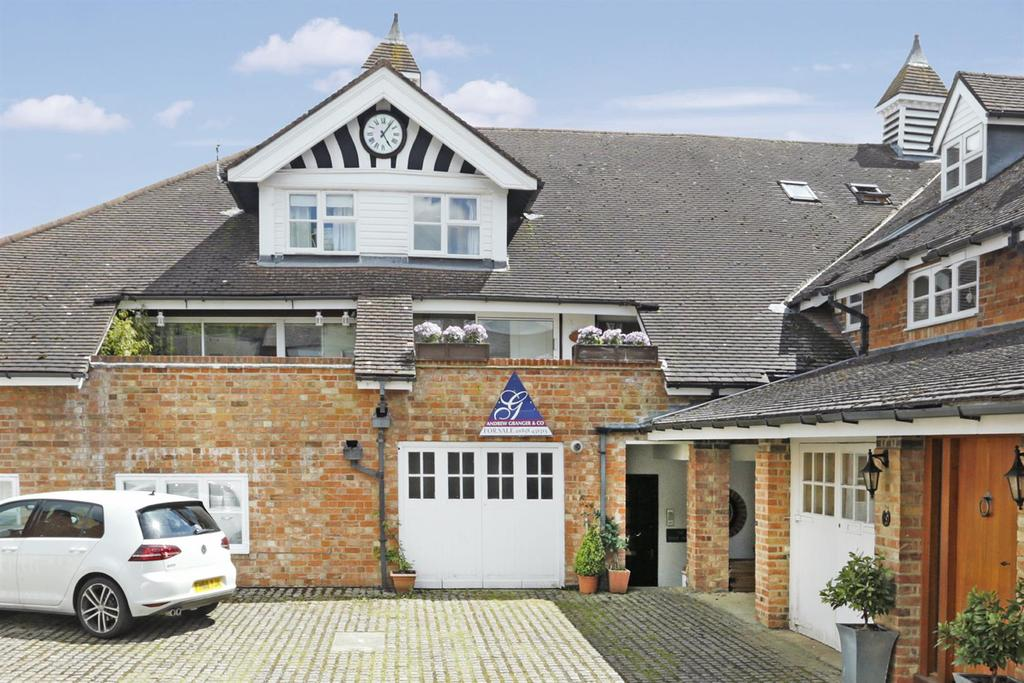 3 Bedrooms Terraced House for sale in The Clock House, The Old Stables, East Langton