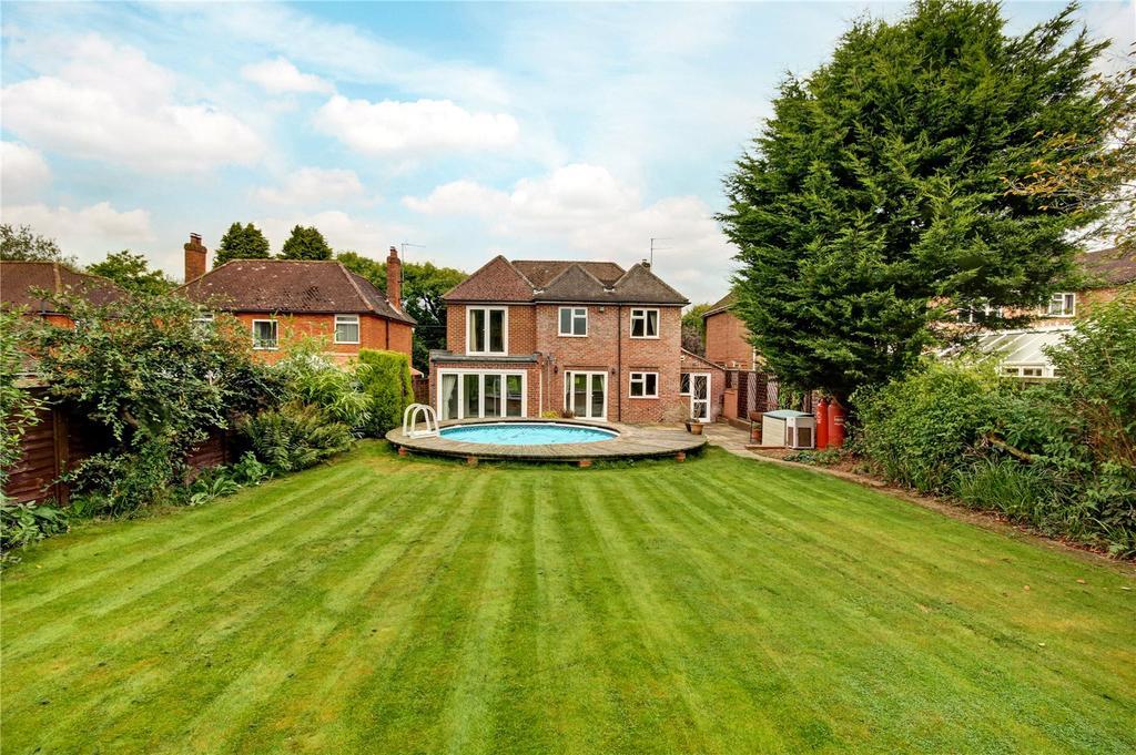 4 Bedrooms Detached House for sale in Penwood Road, Wash Water, Newbury, Berkshire, RG20