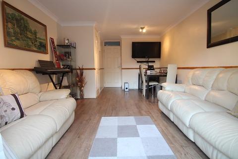 2 bedroom terraced house to rent - Kilross Road, Feltham, TW14