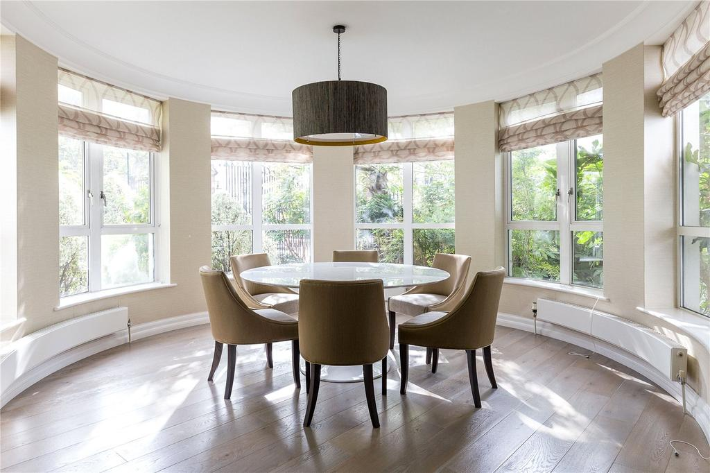 3 Bedrooms Flat for sale in Stone Hall Gardens, Kensington, London