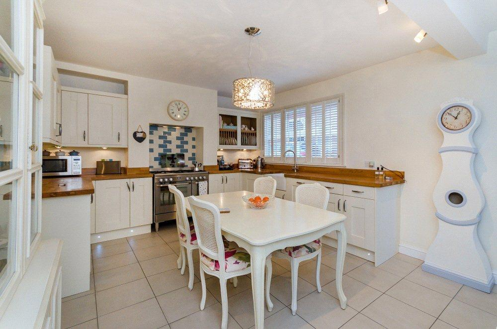 3 Bedrooms Semi Detached House for sale in High Street, Welbourn, Lincoln, LN5