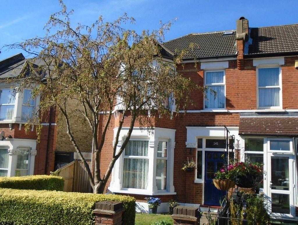 4 Bedrooms Semi Detached House for sale in Westmount Road, Eltham SE9
