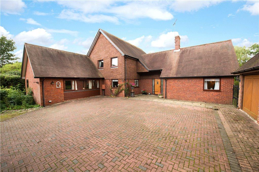 4 Bedrooms Detached House for sale in High Street, Ludgershall, Aylesbury, Buckinghamshire