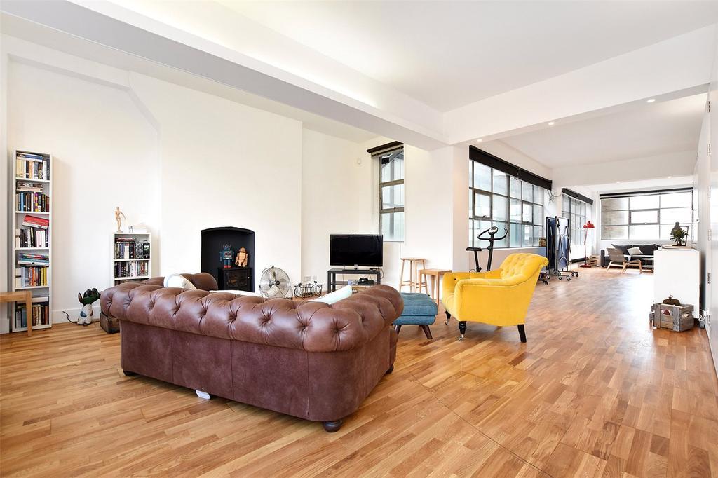 2 Bedrooms Flat for sale in New Inn Yard, London, EC2A