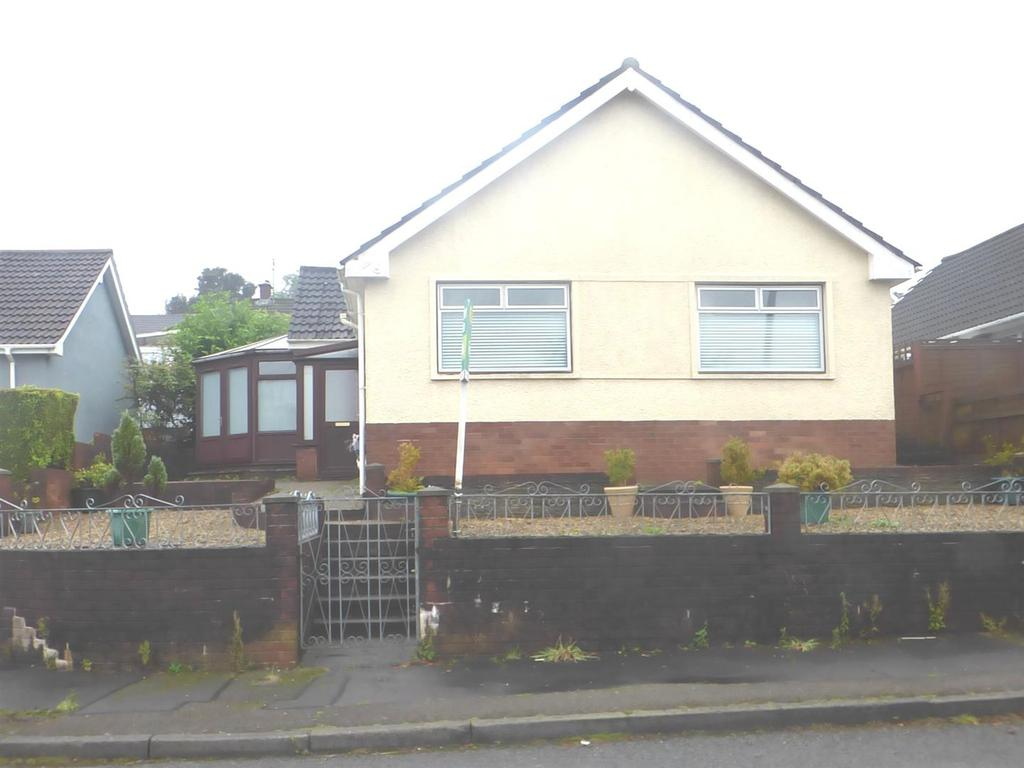 3 Bedrooms House for sale in Park Close, Morriston, Swansea