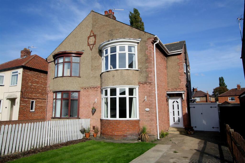 2 Bedrooms Semi Detached House for sale in Kensington Gardens, Darlington