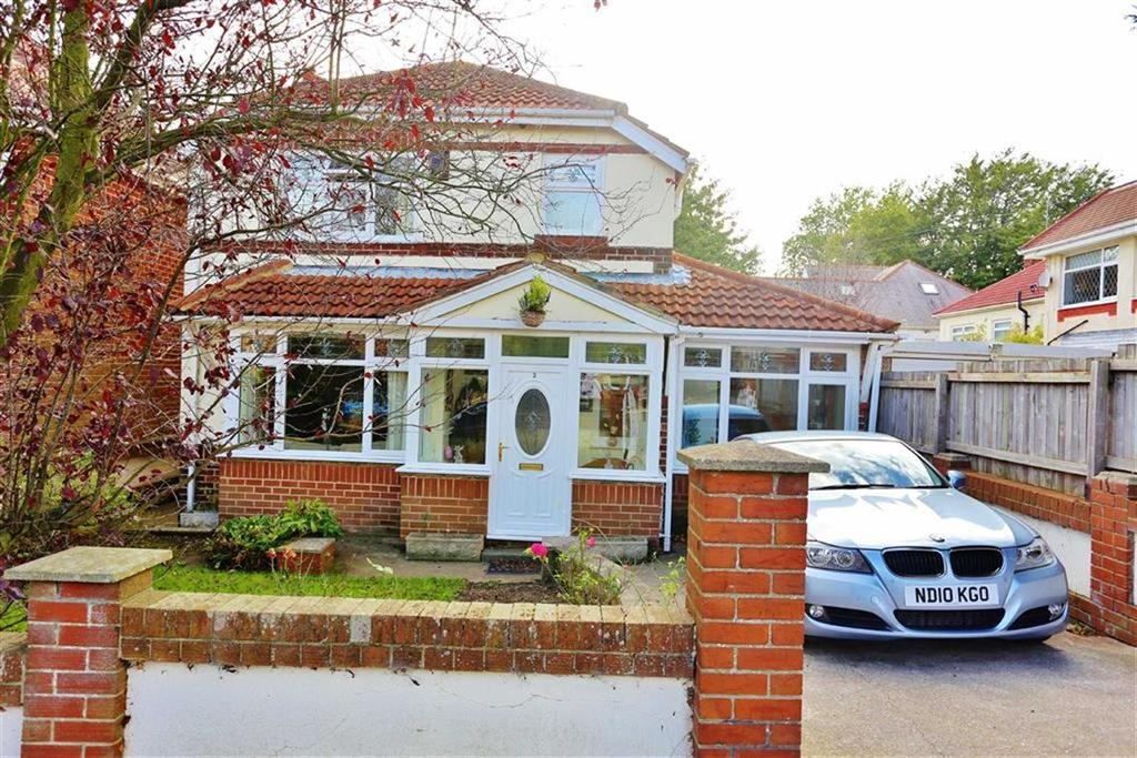 3 Bedrooms Detached House for sale in Farrington Avenue, East Herrington, Sunderland, SR3