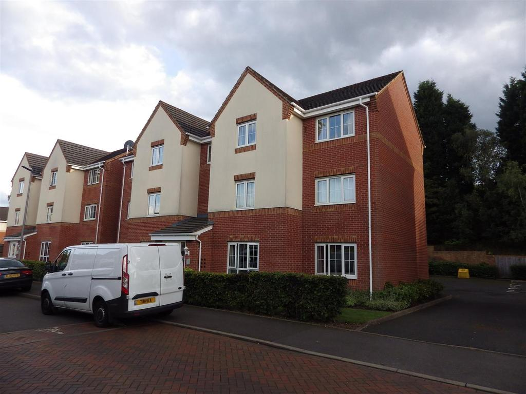 2 Bedrooms Flat for sale in Unitt Drive, Cradley Heath