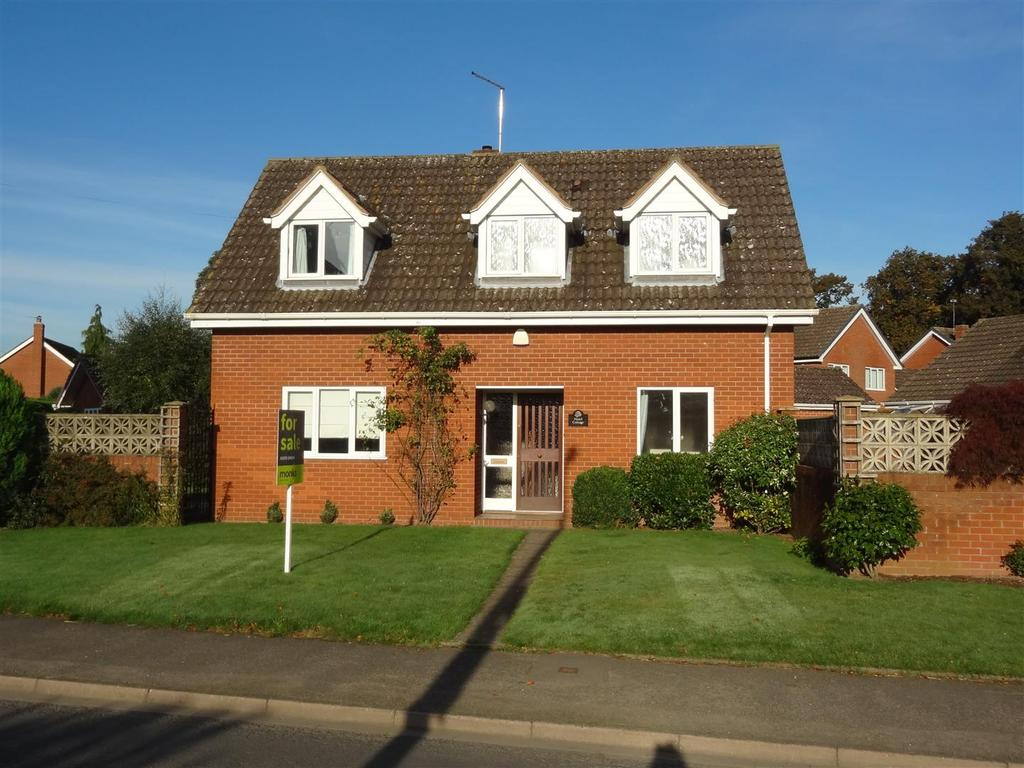 3 Bedrooms Detached House for sale in Whitchurch Road, Wem, Shropshire