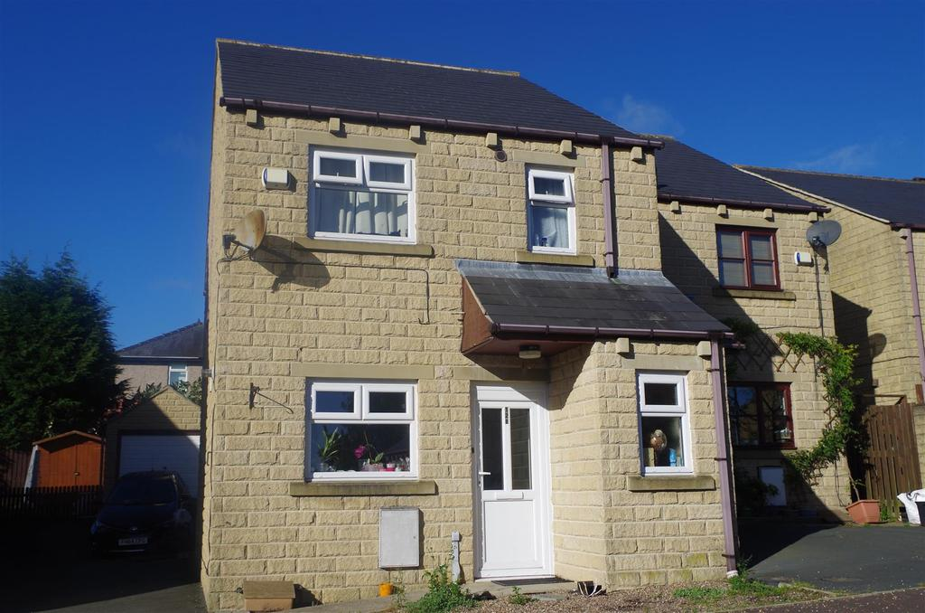 3 Bedrooms Semi Detached House for sale in Bradley View, Holywell Green, Halifax