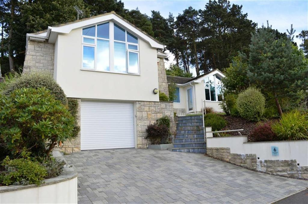 4 Bedrooms Detached Bungalow for sale in Greensleeves Avenue, Broadstone, Dorset