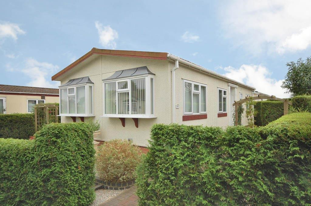 2 Bedrooms Park Home Mobile Home for sale in Adbolton Lane, West Bridgford, Nottingham