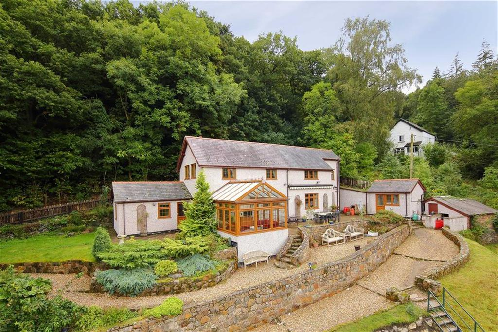 3 Bedrooms Detached House for sale in Berwyn, Llangollen, LL20