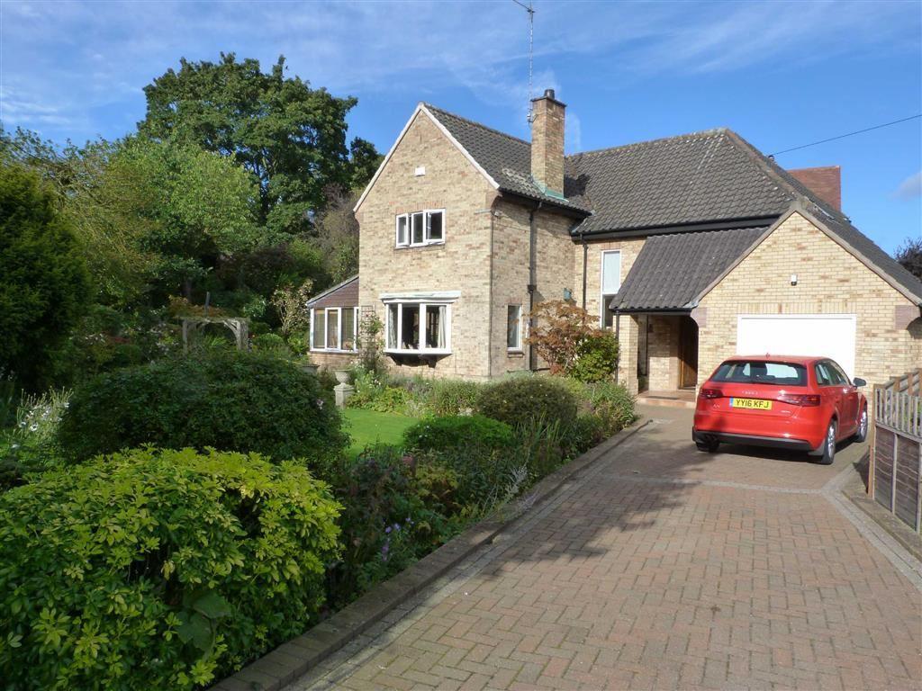 4 Bedrooms Detached House for sale in Molescroft Park, Beverley