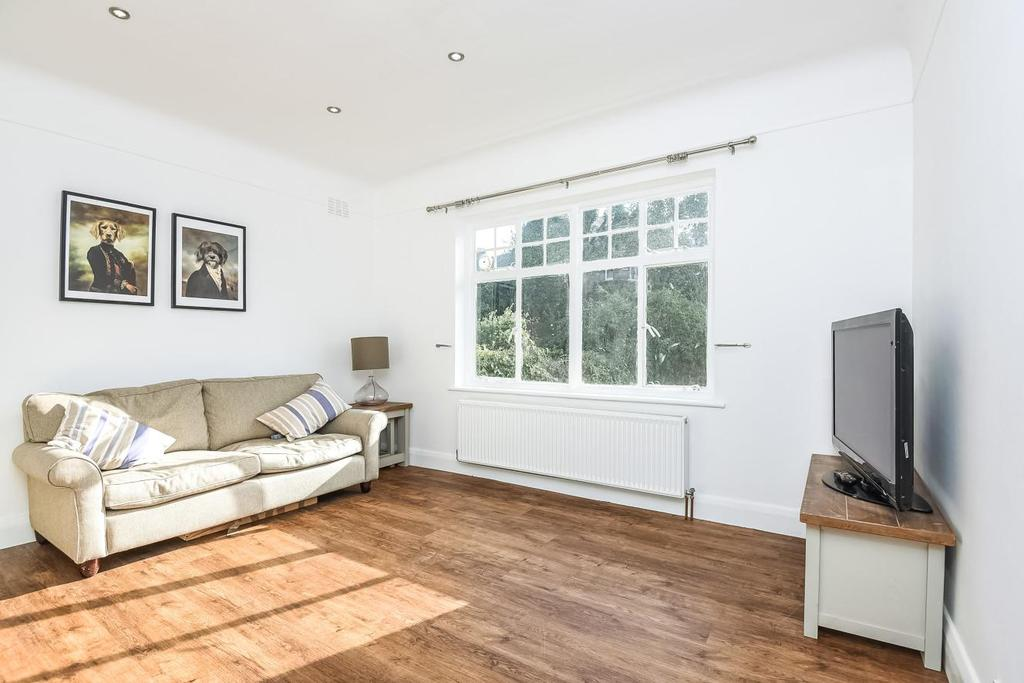 2 Bedrooms Flat for sale in Bramshill Gardens, Dartmouth Park, NW5