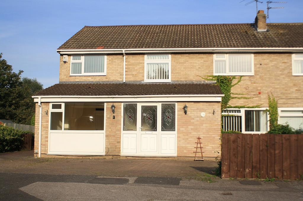5 Bedrooms Semi Detached House for sale in Redwing Lane, Crooksbarn, Norton, TS20