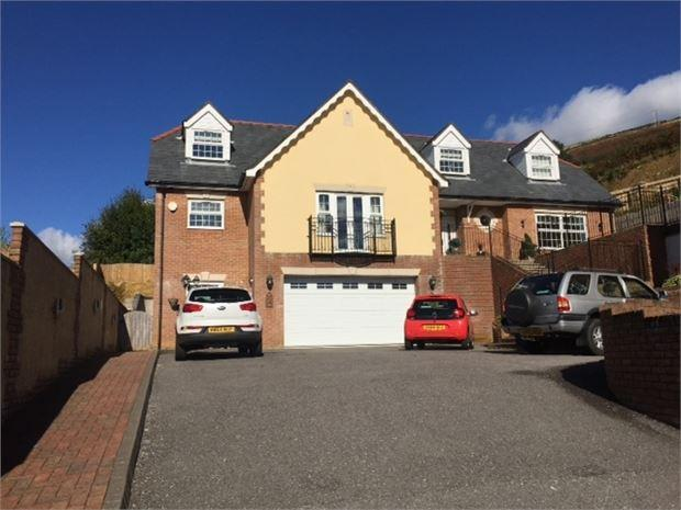 4 Bedrooms Detached House for sale in Tyntyla Park, Tonypandy, Tonypandy, Mid Glamorgan. CF40 2SW