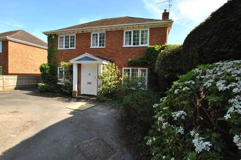 4 bedroom detached house to rent - Grosvenor Road, Caversham, Reading