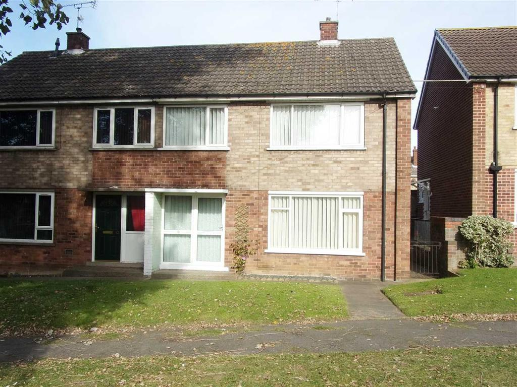 3 Bedrooms Semi Detached House for sale in CHAUCER AVENUE, SCUNTHORPE