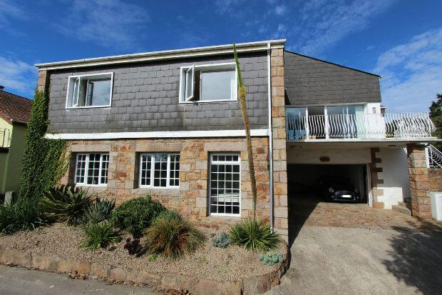 3 Bedrooms Detached House for sale in Le Feuguerel, St. Lawrence