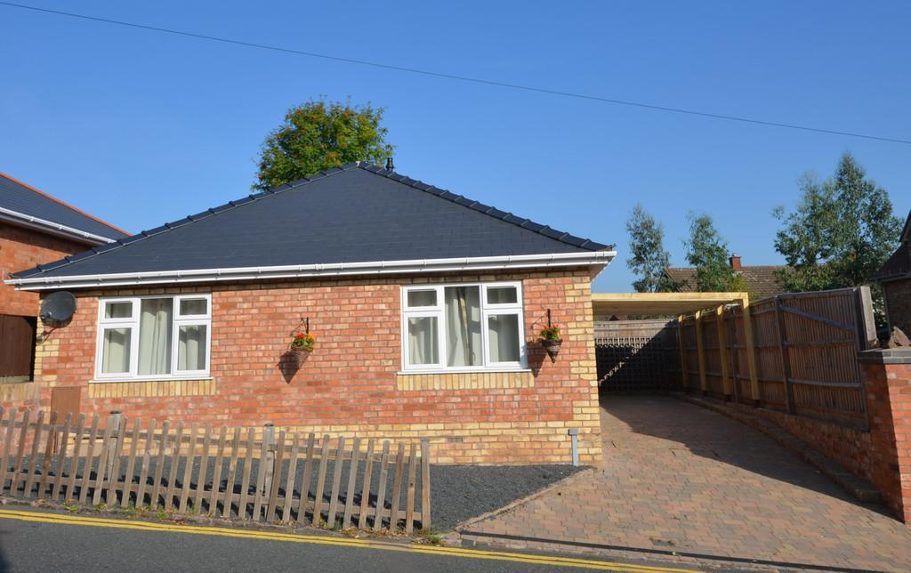 3 Bedrooms Detached Bungalow for sale in Cowleigh Bank, Malvern