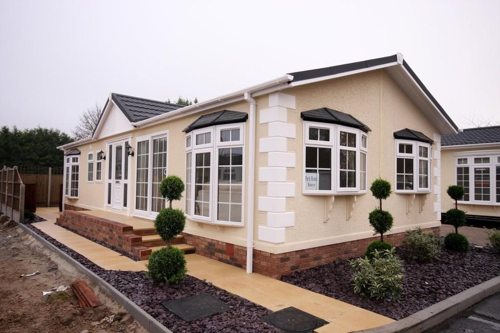 2 Bedrooms Park Home Mobile Home for sale in 'Chatsworth Gold'