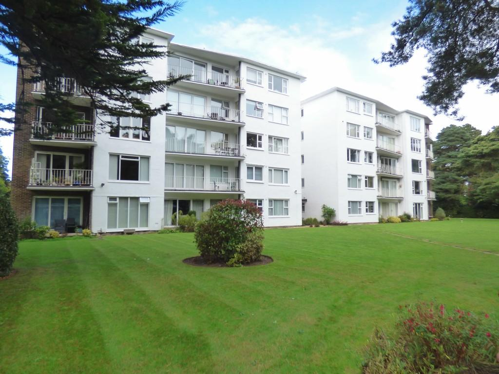 2 Bedrooms Apartment Flat for sale in BRANKSOME PARK
