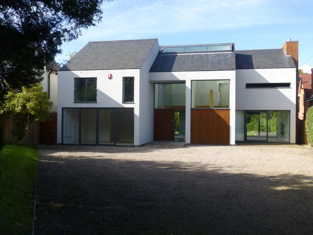 5 Bedrooms Detached House for sale in Malthouse Lane, Earlswood