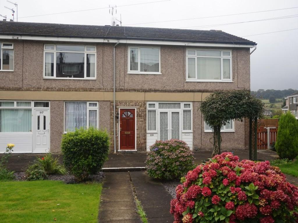 2 Bedrooms Flat for sale in Thornton Old Road, Fairweather Green