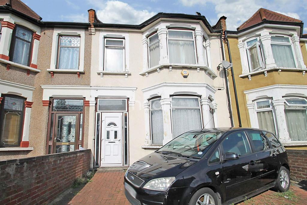 5 Bedrooms Terraced House for sale in Mortlake Road, Ilford, Essex