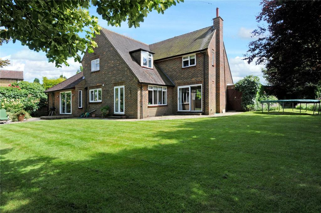 4 Bedrooms Detached House for sale in Babylon Lane, Lower Kingswood, Tadworth, Surrey, KT20