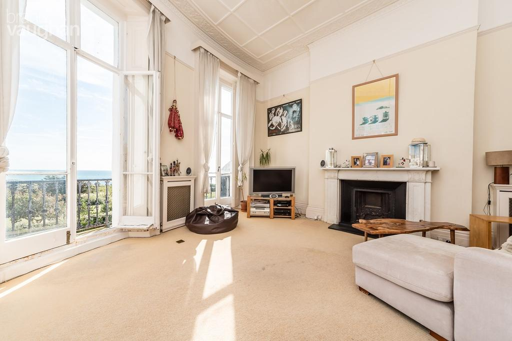 2 Bedrooms Flat for sale in Lewes Crescent, Brighton, BN2