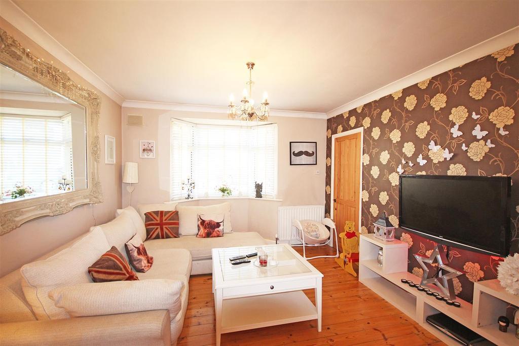 5 Bedrooms Semi Detached House for sale in Craignair Avenue, Patcham, Brighton