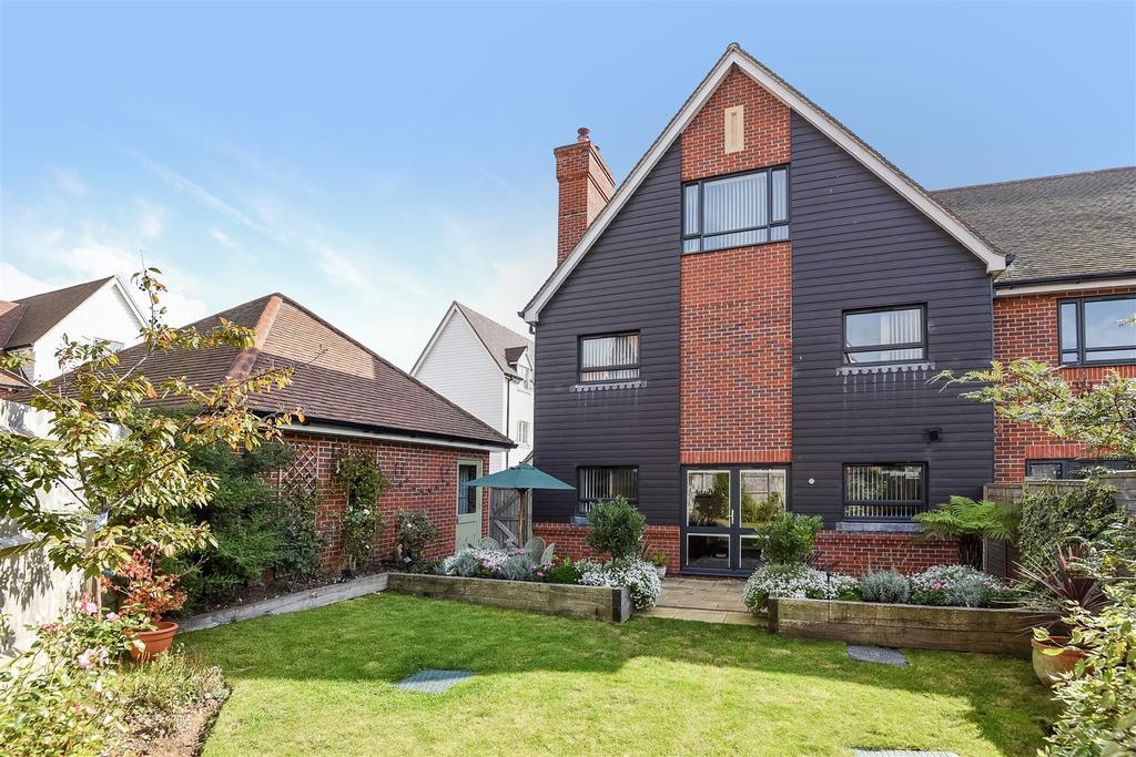 5 Bedrooms End Of Terrace House for sale in Lillywhite Road, Westhampnett