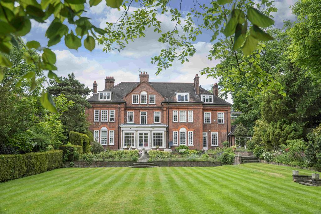 9 Bedrooms House for sale in Templewood Avenue, London. NW3