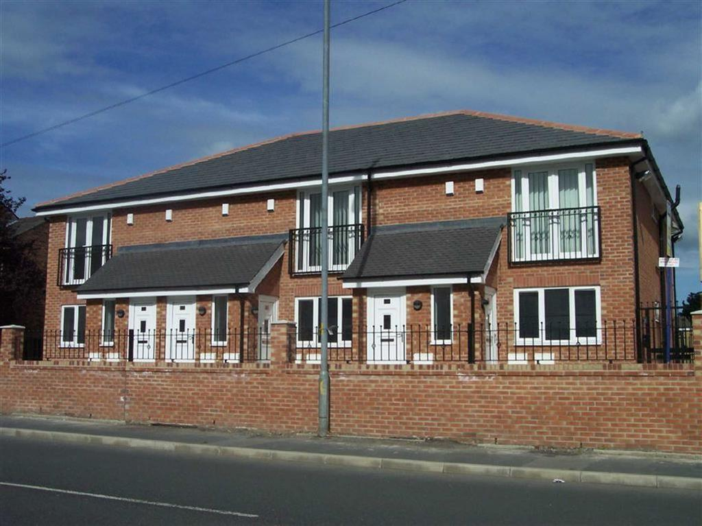 2 Bedrooms Apartment Flat for sale in Buckley Lane, Bolton