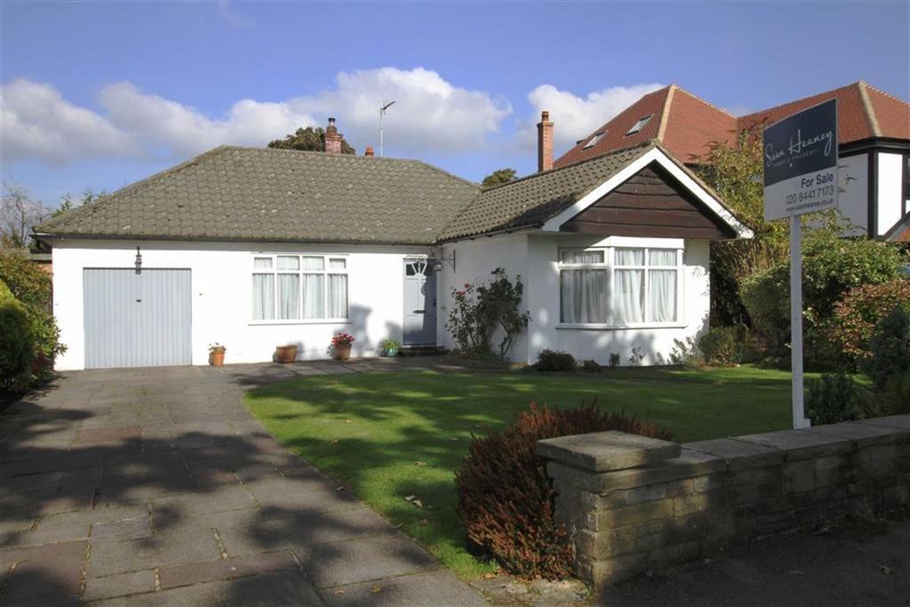 3 Bedrooms Detached Bungalow for sale in Bournwell Close, Hadley Wood, Herts, EN4