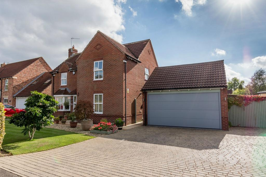 6 Bedrooms Detached House for sale in Earswick Chase, Earswick, Earswick