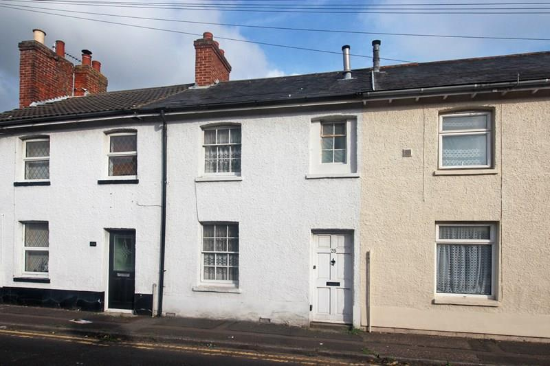 2 Bedrooms Terraced House for sale in Livingstone Road, Purewell, Christchurch