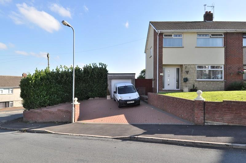 3 Bedrooms Semi Detached House for sale in Slade Road, Barry, The Vale Of Glamorgan. CF62 9AL