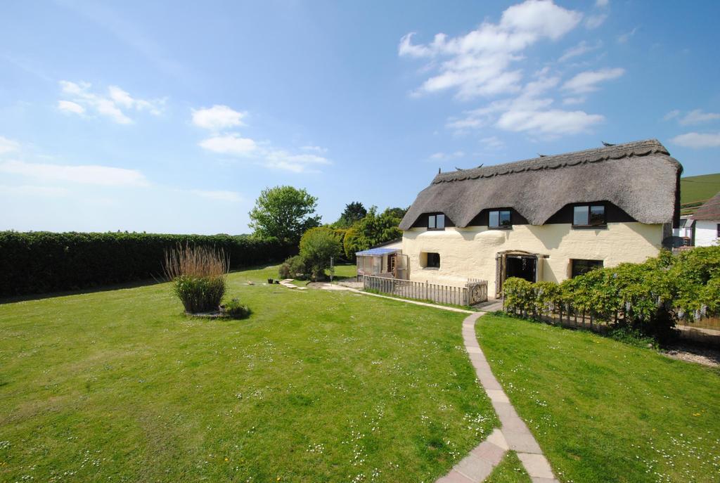 3 Bedrooms Detached House for sale in Saunton, Braunton
