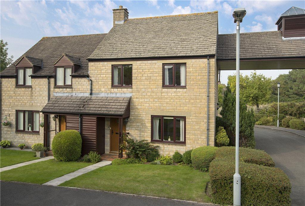 2 Bedrooms Semi Detached House for sale in Kingsdale Court, Broadway, Worcestershire, WR12