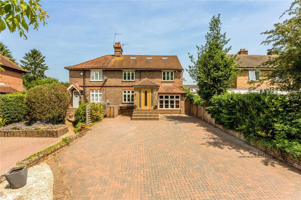 5 Bedrooms Semi Detached House for sale in Waterside, Chesham, Buckinghamshire, HP5