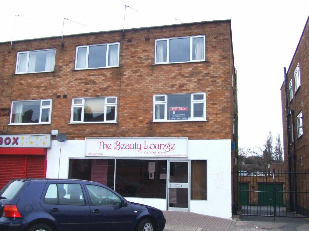 3 Bedrooms Flat for sale in Norwich Road, Stadium Estate, Leicester, Leicestershire, LE4 0LR