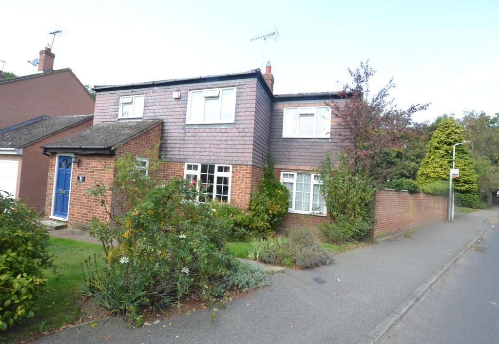 5 Bedrooms Detached House for sale in Mercer Road, Billericay, Essex, CM11