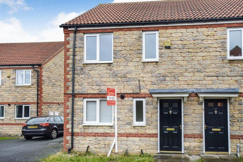 3 Bedrooms Semi Detached House for sale in Dewfield Close, Bradford