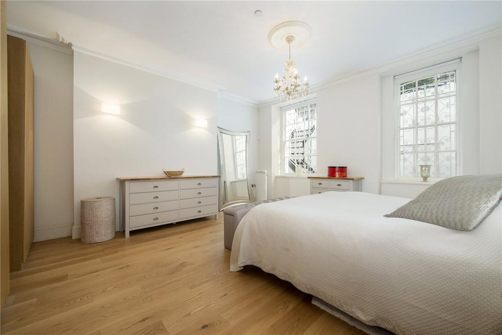 2 Bedrooms Flat for sale in Upper Wimpole Street, Marylebone, London, W1G